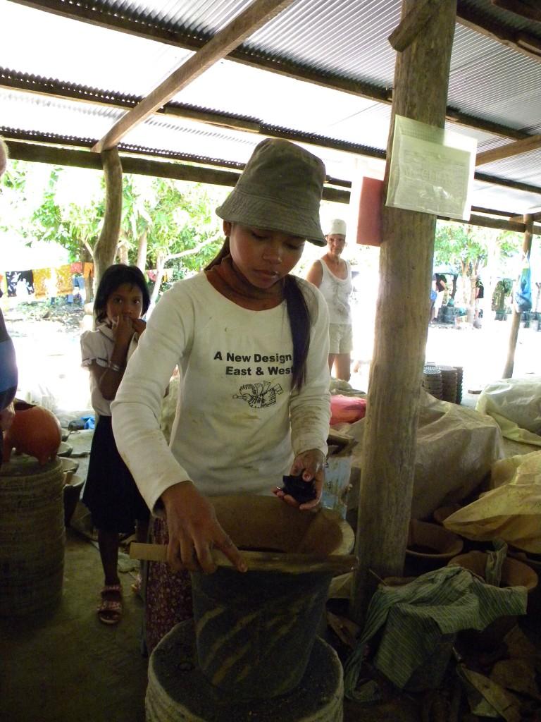 Cambodge, Battambang, potier, Phnom Penh
