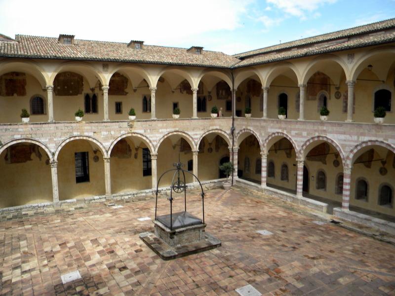 Toscane, Assise
