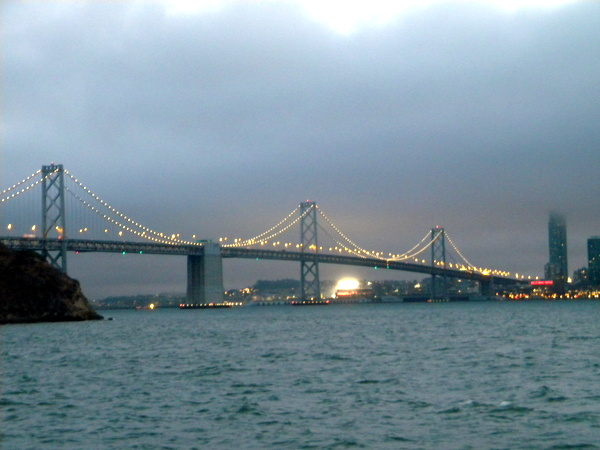 Bay Bridge de nuit
