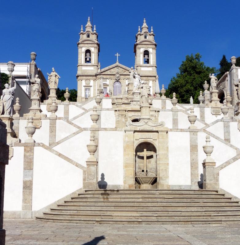 Le sanctuaire vu de l'escalier