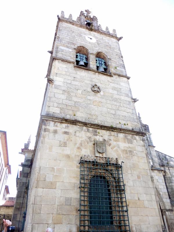 Le clocher de N.D. da Oliveira