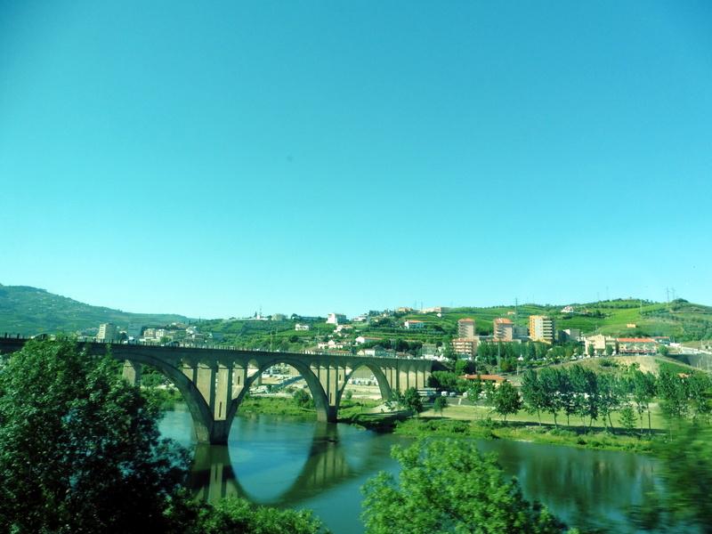 Pont sur la route de Fatima
