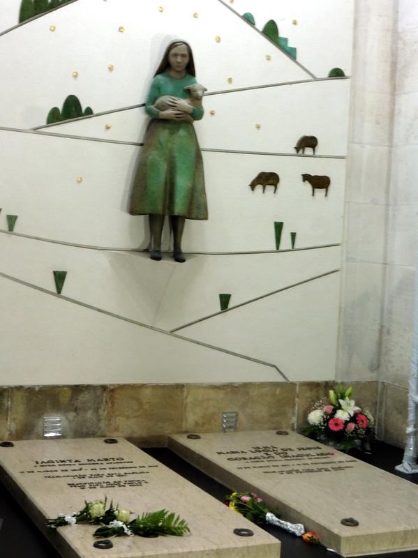 Les tombeaux de François et Jacinte