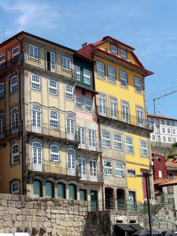 Maisons aux façades traditionnelles