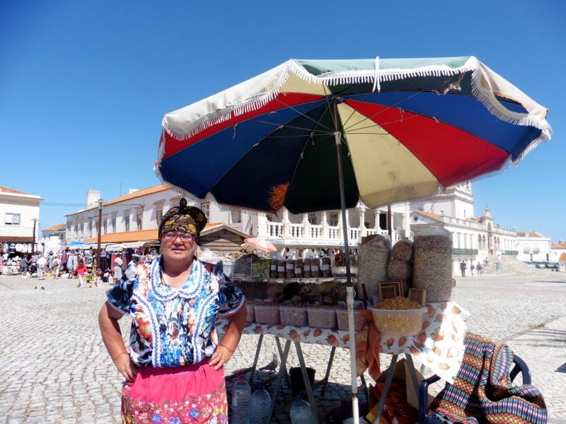 Femme de pêcheur en costume local