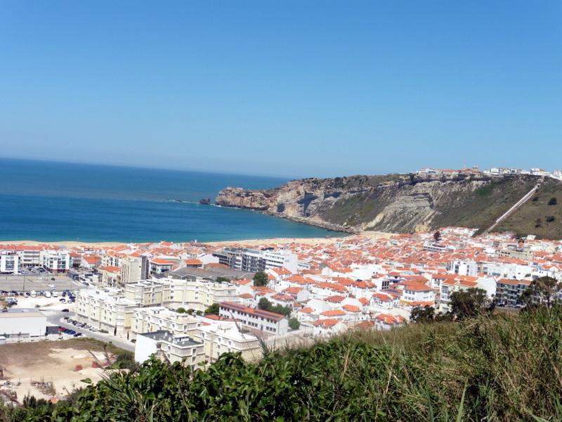 La ville basse et la ville haute vues du Pederneira