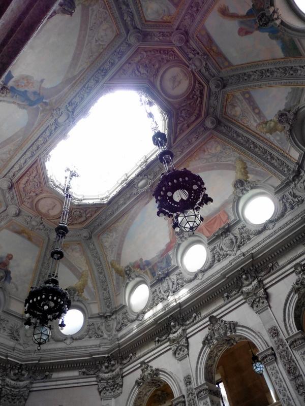 La Bourse : le grand escalier de marbre