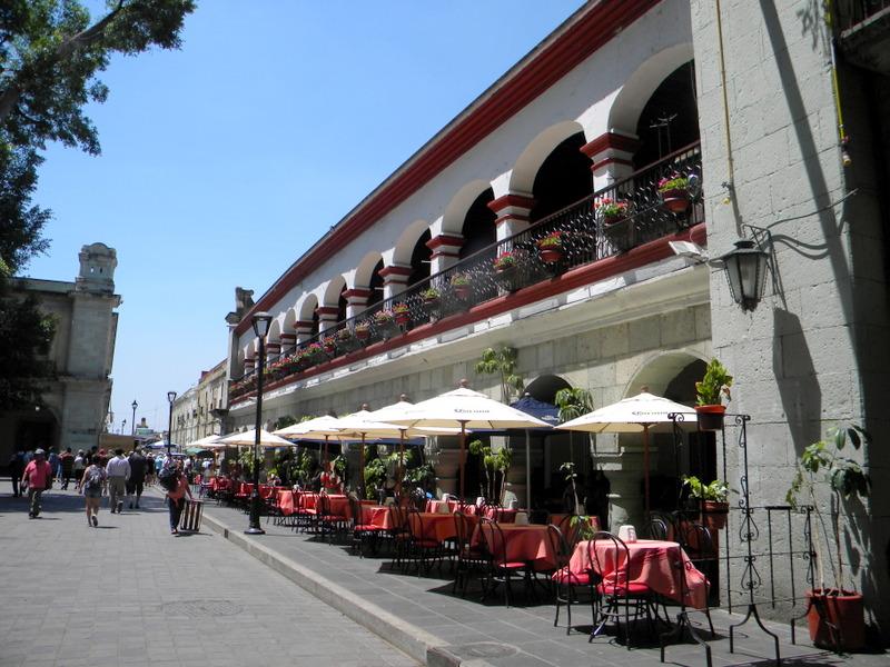 Terrasses de cafés à Oaxaca