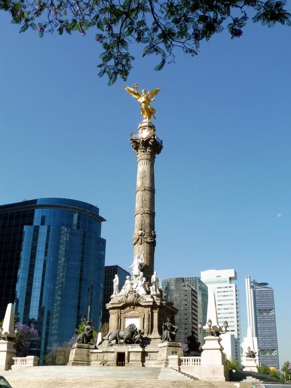 Le monument à l'Indépendance