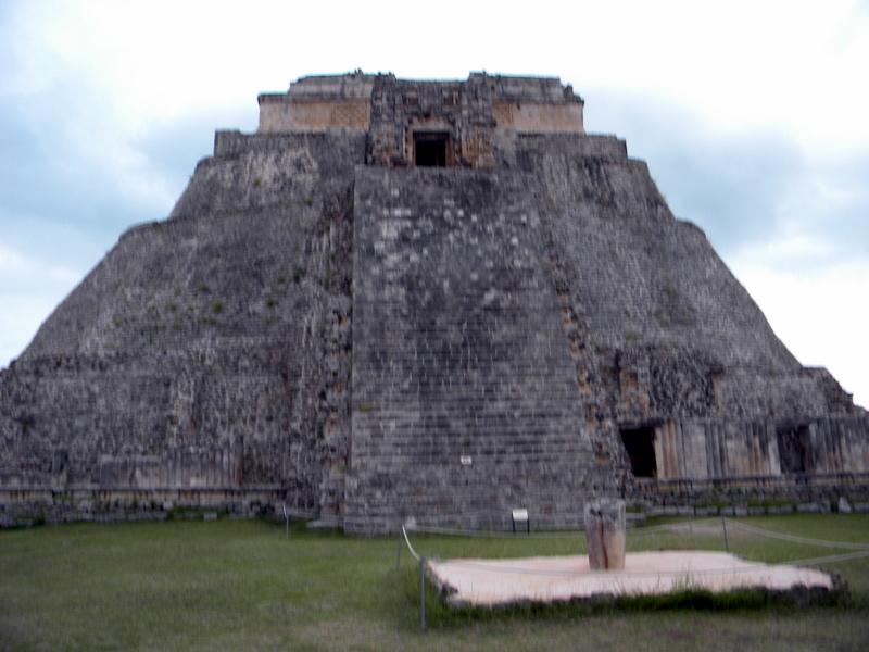 L'escalier de la Pyramide du Devin