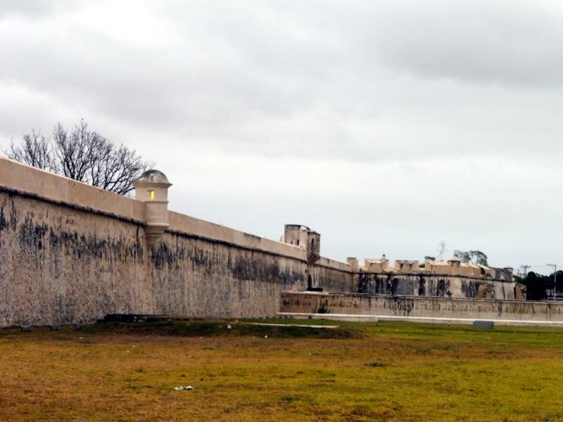 La muraille et les bastions