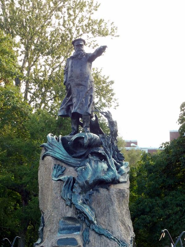 Statue du vice-amiral Makarov