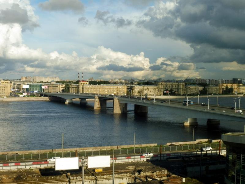 Pont sur la Neva