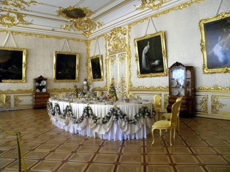La salle à manger blanche
