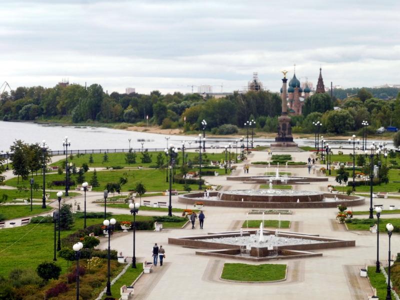 "Le jardin sur la ""Strelka"""