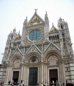 La façade du Duomo, Sienne, Toscane, Italie