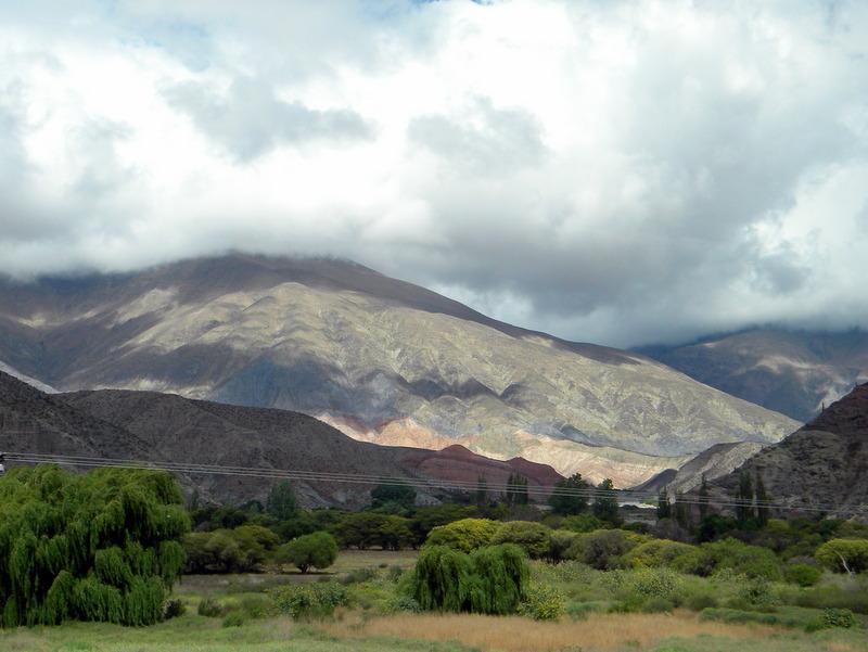 Les premières collines colorées