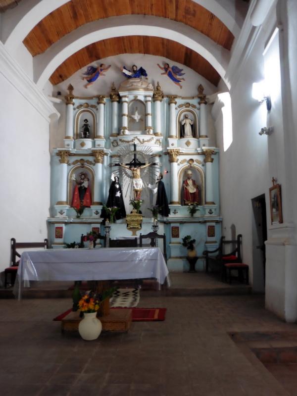 L'intérieur de l'église San José de Cachi