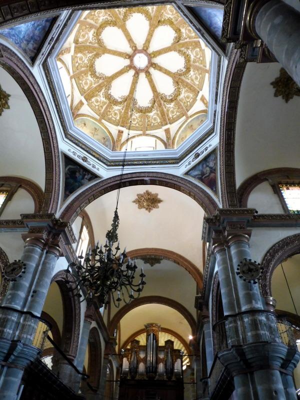 La cathédrale-Le transept