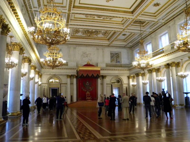 La grande salle du trône