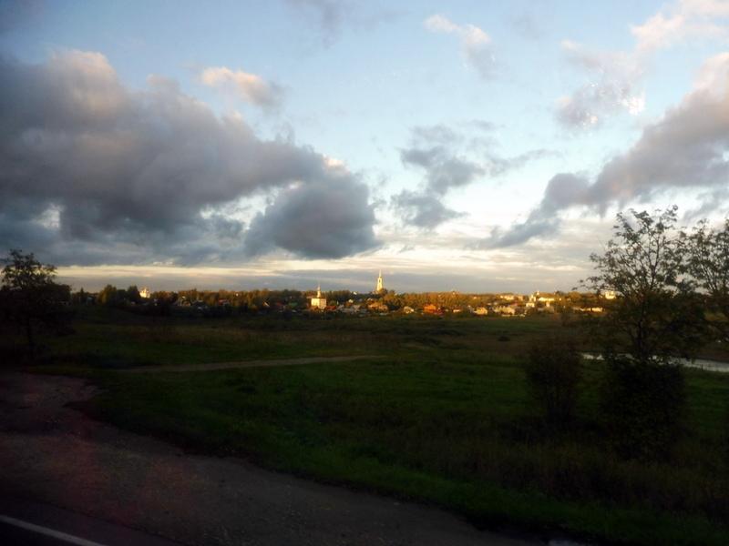 Souzdal, au loin, au soleil couchant