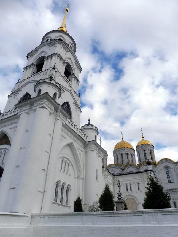Les deux églises et le clocher