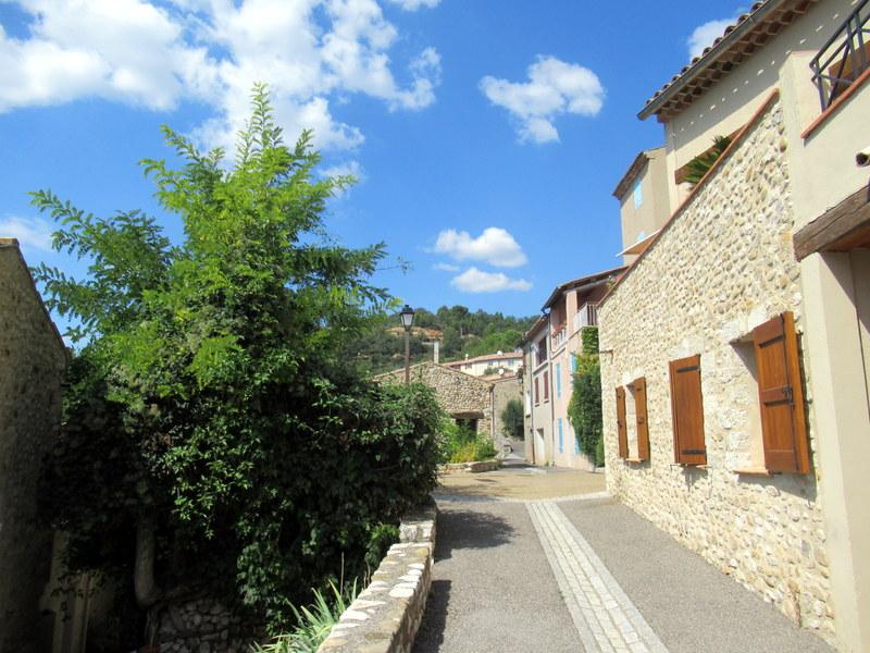 Sainte-Croix-du-Verdon, ruelle du village