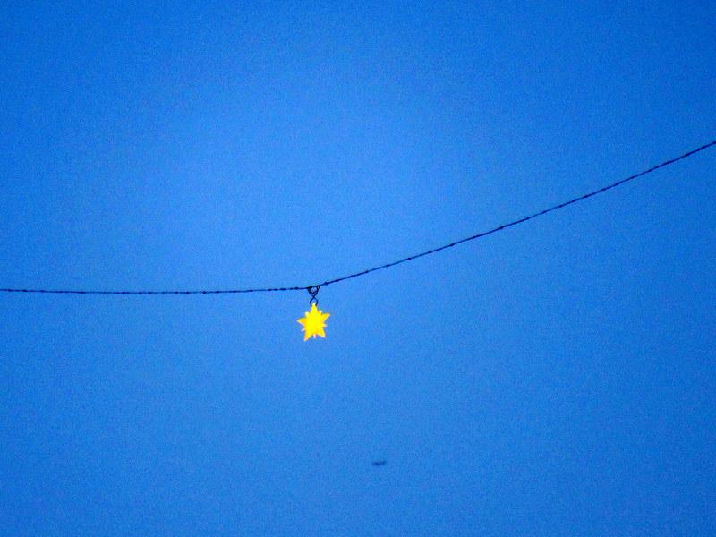 Moustiers-Sainte-Marie, étoile suspendue par le chevalier de Blacas d'Aups