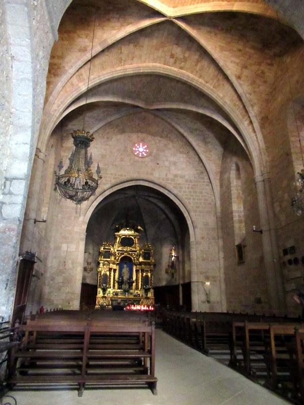 Moustiers-Sainte-Marie, Intérieur de la chapelle Notre-Dame de Beauvoir