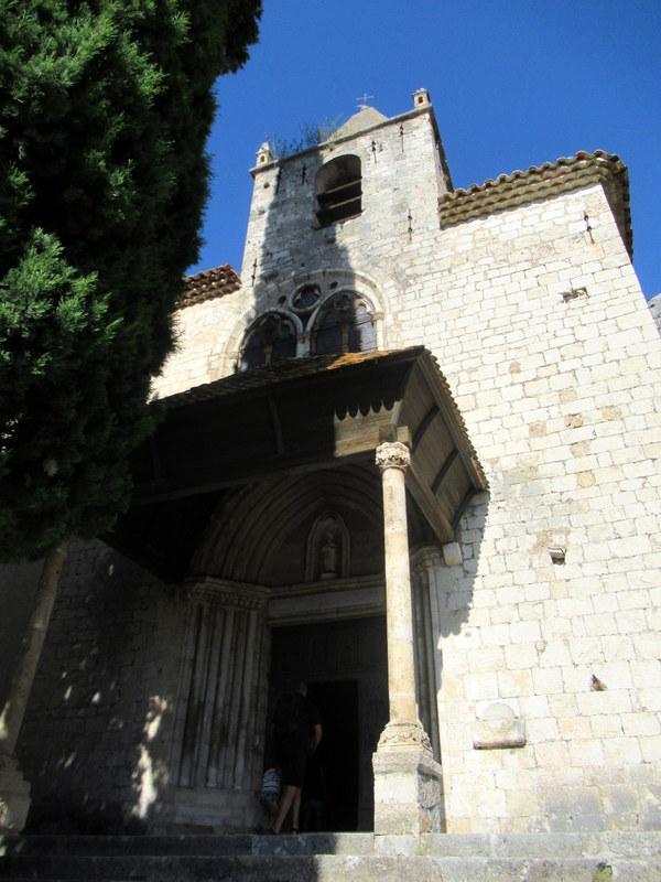 Moustiers-Sainte-Marie, Extérieur de la chapelle Notre-Dame de Beauvoir