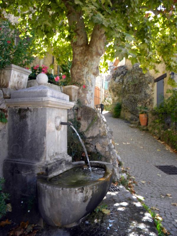 Tourtour, fontaine