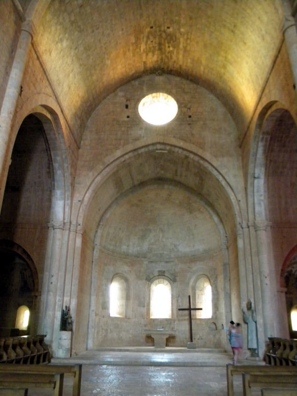 Abbaye du Thoronet, le chœur de l'abbatiale
