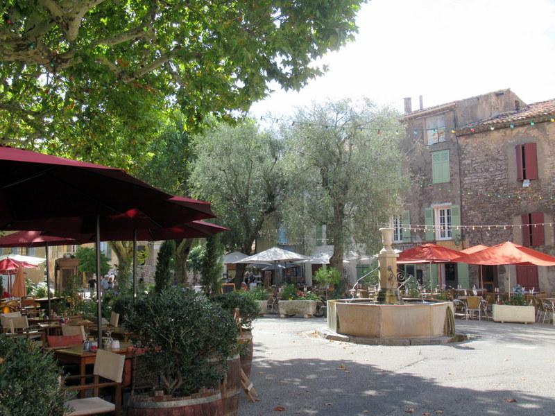 Tourtour, Place des Ormeaux