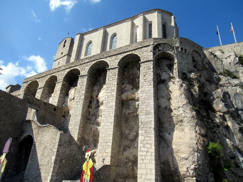 Sisteron, la citadelle et ses arcades de soutènement