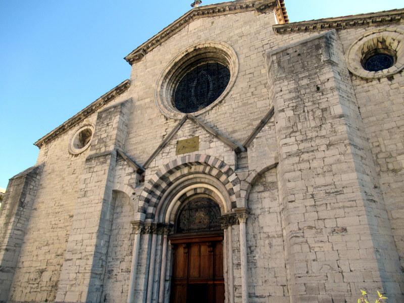 Sisteron, Église Notre-Dame des Pommiers