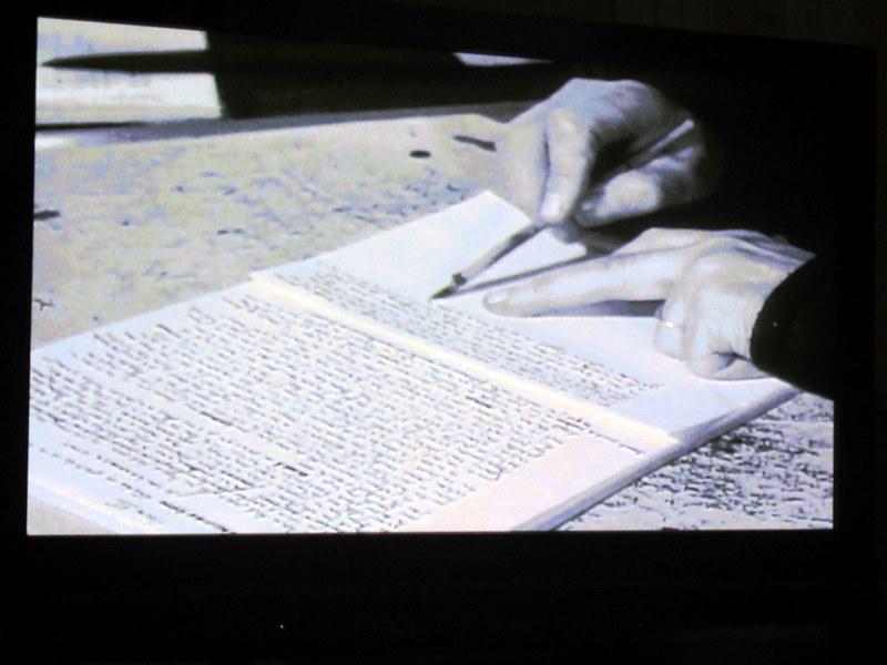 Manosque, Centre Jean Giono, l'écrivain en train d'écrire avec son porte-plume