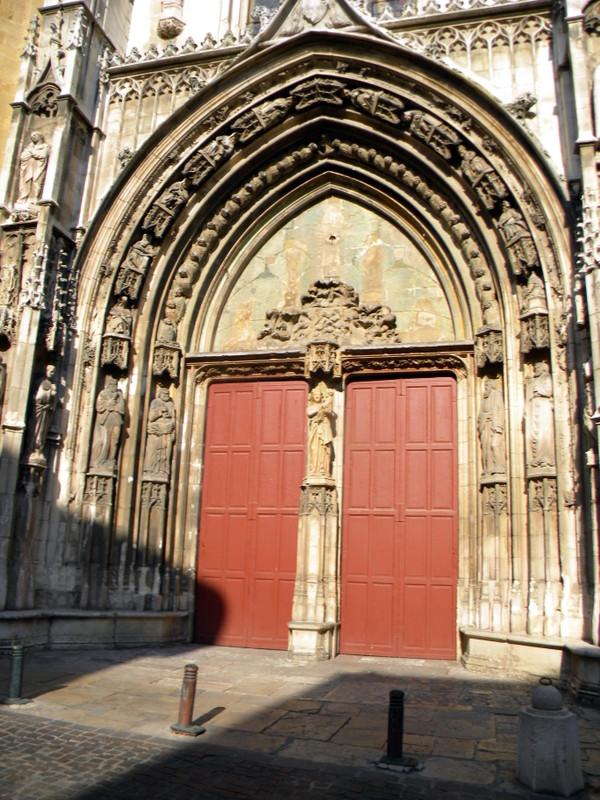 Aix-en-Provence, portail de la cathédrale Saint-Sauveur