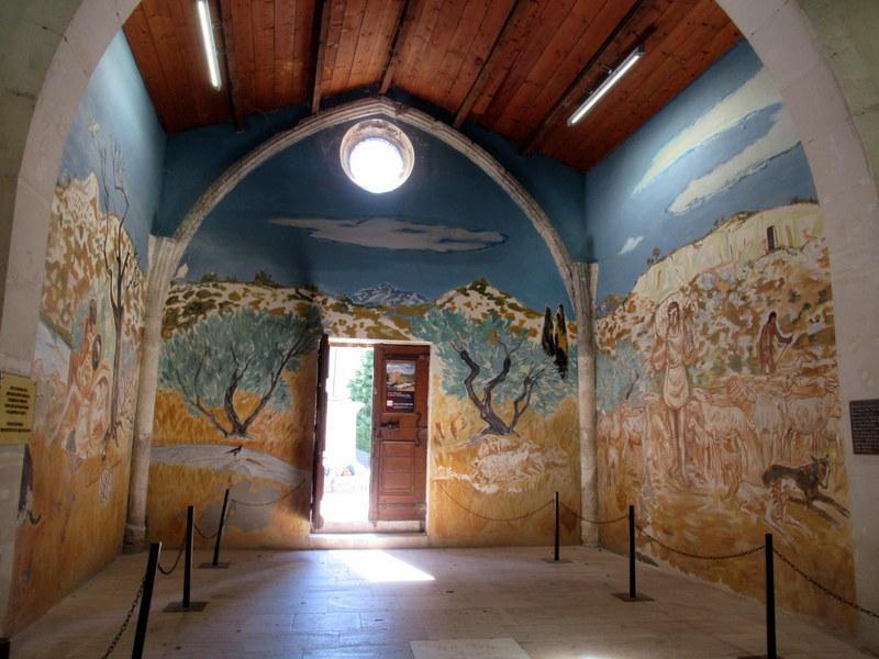 Les Baux de Provence, Chapelle des Pénitents Blancs, Yves Brayer
