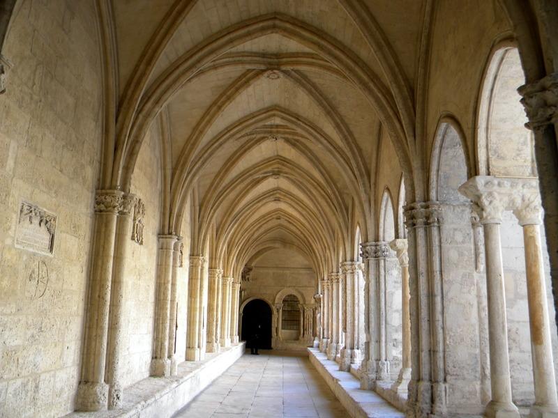 Arles, Saint-Trophyme, cloître