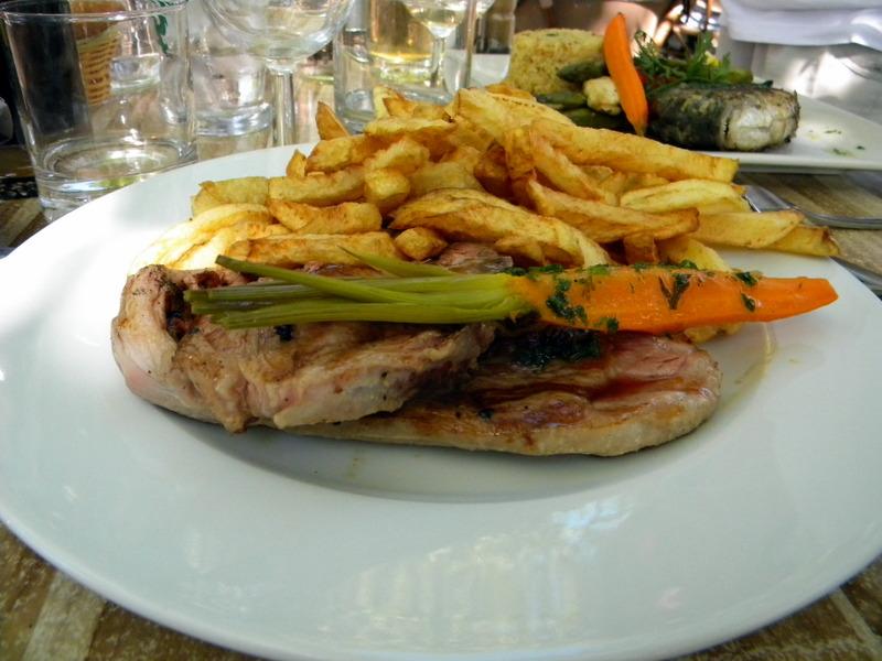 Provence, Fontvieille, Brasserie La Cuisine, agneau des Alpilles