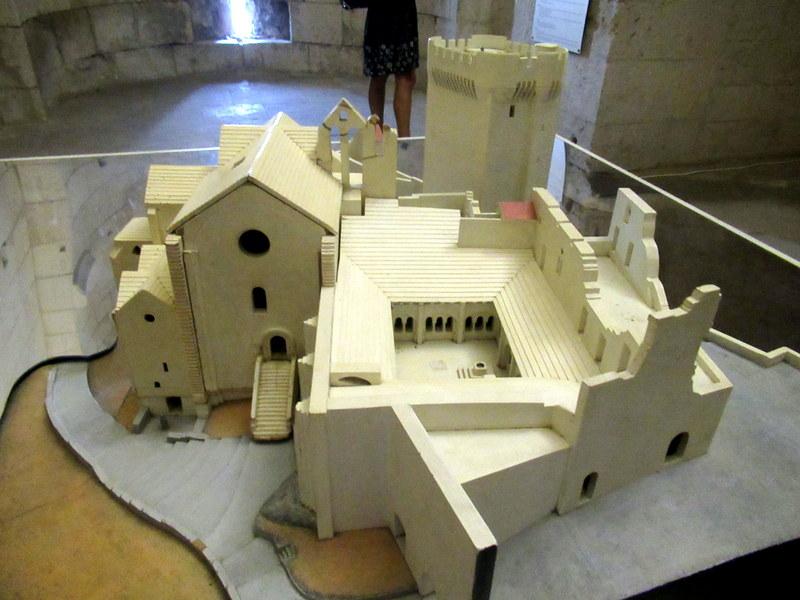 Provence, maquette de l'abbaye de Montmajour