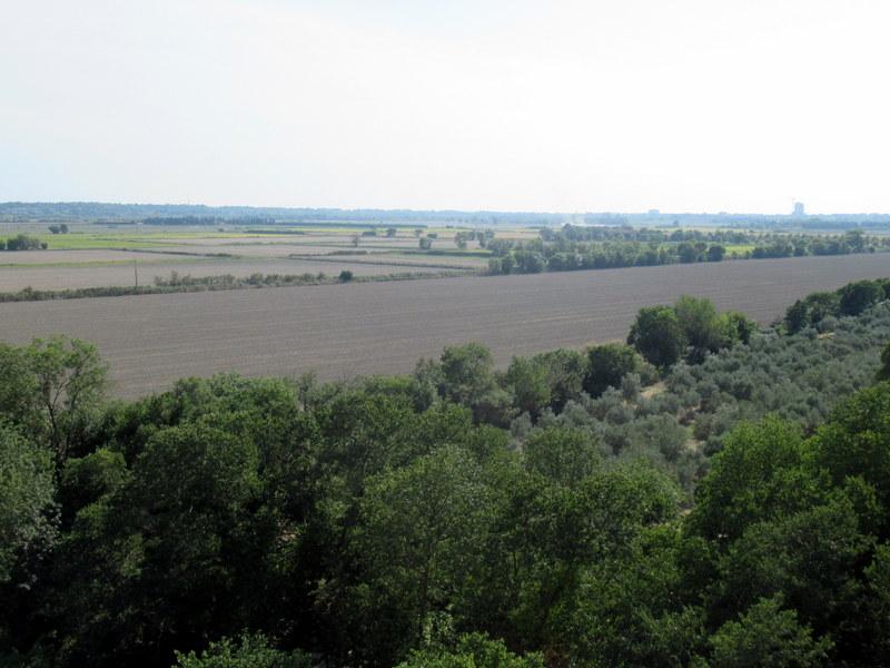 Provence, abbaye de Montmajour, panorama de la plaine du Rhône