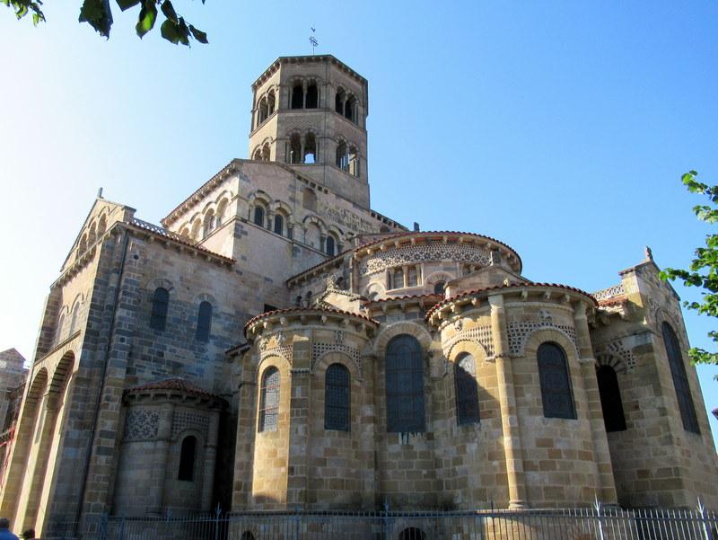 Issoire, abbatiale Saint-Austremoine, chevet de type roman auvergnat