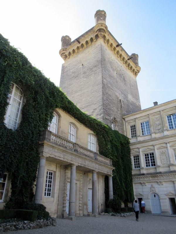 Uzès, le Duché, tour Bermonde